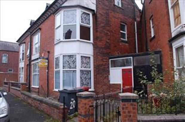 Thumbnail Flat to rent in 20 Hartington Road, Bolton