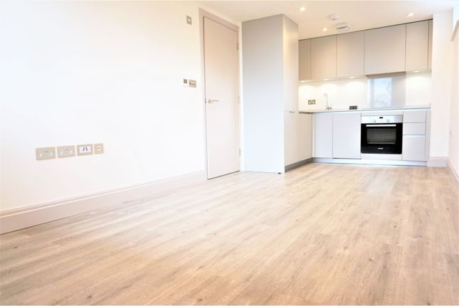 Thumbnail Flat to rent in 510 Chiswick High Road, Chiswick