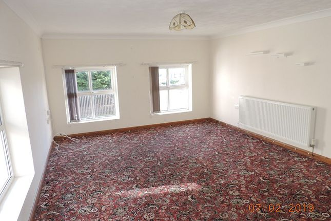 Thumbnail Flat to rent in 25 Elizabeth Venmore, Yorke St, Milford Haven