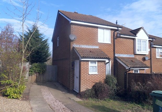 2 Bed Semi Detached House To Rent In Chiltern Close Downswood Maidstone ME1