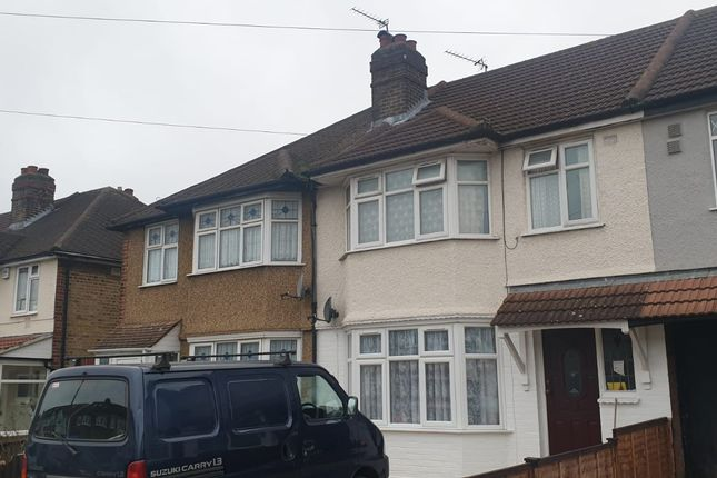 Room to rent in Ash Grove, Hounslow