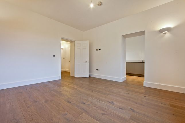 Thumbnail Flat to rent in 7 Wellesley Road, The Academy