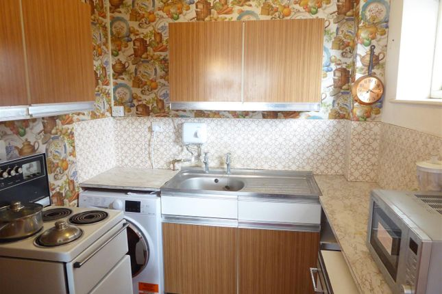 Kitchen Area of St. Peters Road, Dunstable LU5