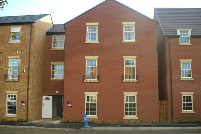 Thumbnail Flat to rent in Outfield Close, Corby