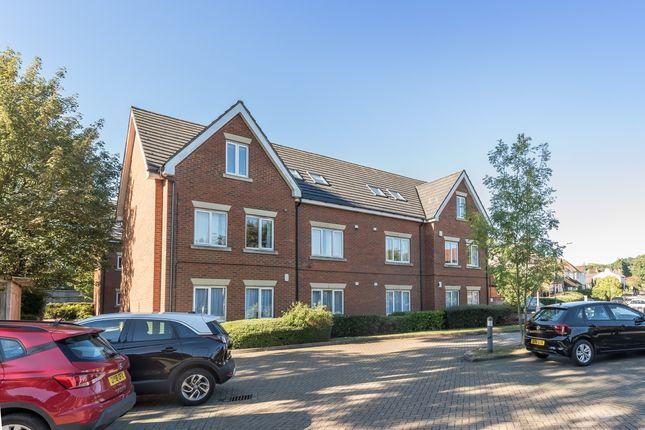 Thumbnail Flat to rent in Roundwood Lane, Harpenden