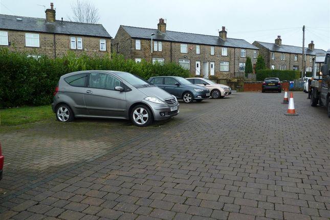 Parking of The Manor House, 68 Moorside Ave Crosland Moor, Huddersfield HD4