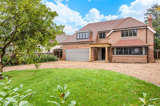 Thumbnail Detached house for sale in Furze Hill, Kingswood, Tadworth