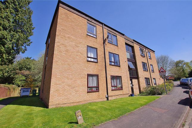 Picture No. 12 of Grandfield Avenue, Watford, Hertfordshire WD17
