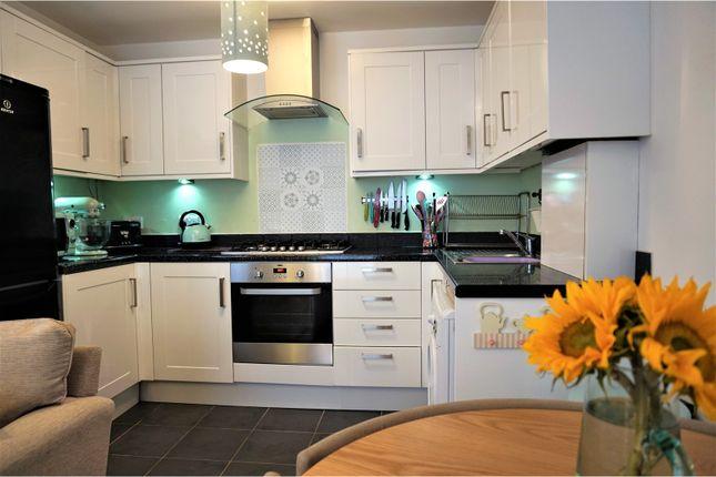 Thumbnail Flat for sale in 5 Lyons Crescent, Tonbridge