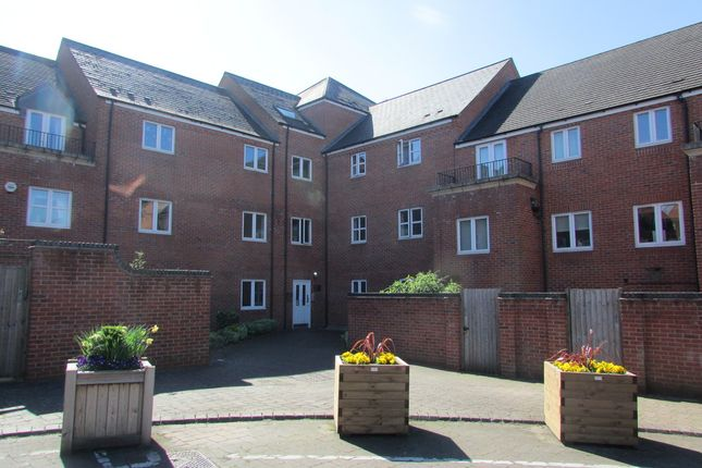 Thumbnail Flat to rent in Clarkes Court, Banbury