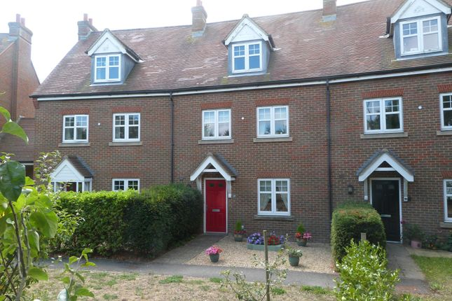 Thumbnail Property for sale in Hunnisett Close, Selsey, Chichester