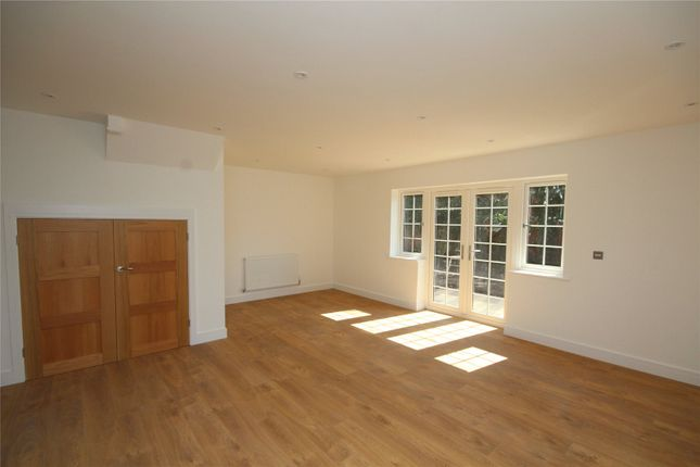 Thumbnail Detached house for sale in 15 Mansfield Gardens, Ringwood Hampshire