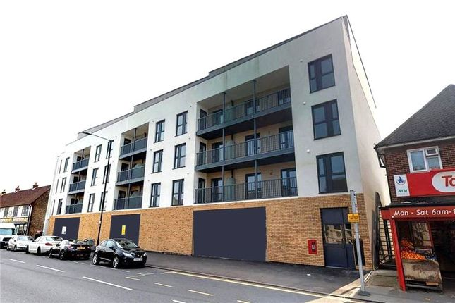 Thumbnail Flat to rent in Grand Union House, Slough