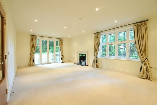 Thumbnail Flat to rent in Unwin Court, 1 Beaumont Close, London