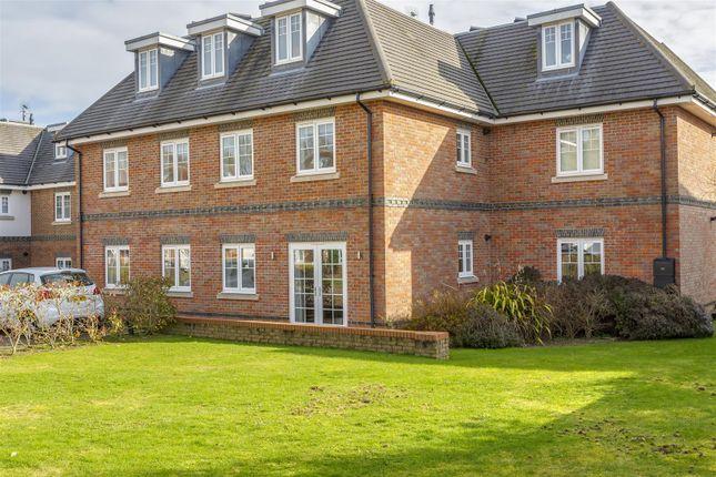 Flat-Birchwood-House-Banstead-104
