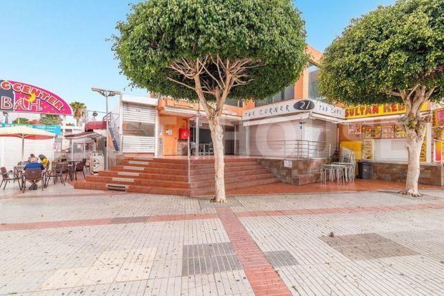 Thumbnail Commercial property for sale in Calle Málaga, 112, 35100 San Bartolomé De Tirajana, Las Palmas, Spain