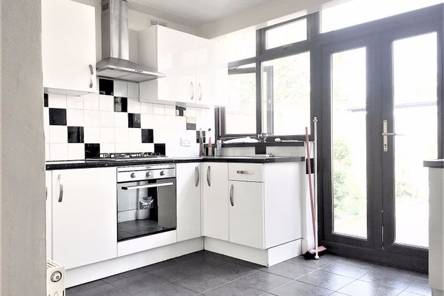 Thumbnail Terraced house to rent in Central Park Road, London