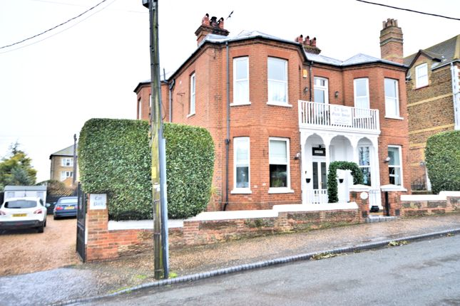 Thumbnail Detached house for sale in Avenue Road, Hunstanton