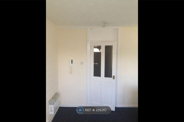 Thumbnail Flat to rent in Wishaw, Wishaw