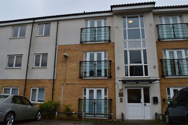 2 bed flat to rent in Berengers Place, Dagenham, Essex
