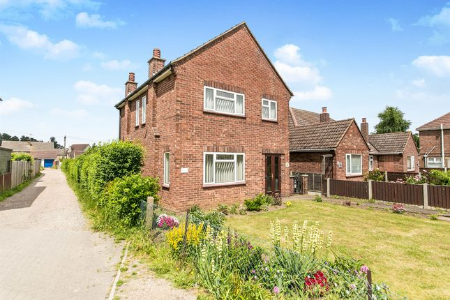 Thumbnail Detached house for sale in Turner Road, Colchester