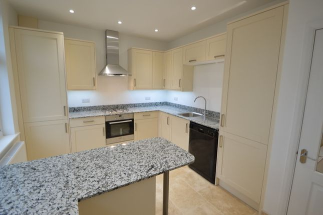 Thumbnail Flat to rent in Norbiton Avenue, Norbiton, Kingston Upon Thames