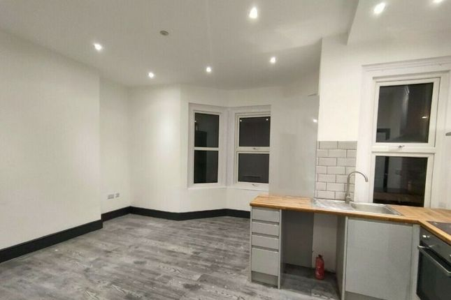Thumbnail Semi-detached house to rent in Waddon Road, Croydon