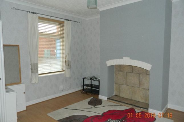 Thumbnail Terraced house to rent in Queensway, Rochdale