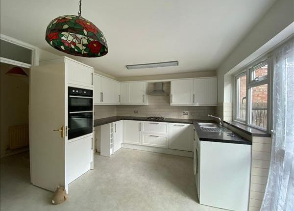 Thumbnail Detached house to rent in Montrose Road, Wealdstone, Harrow