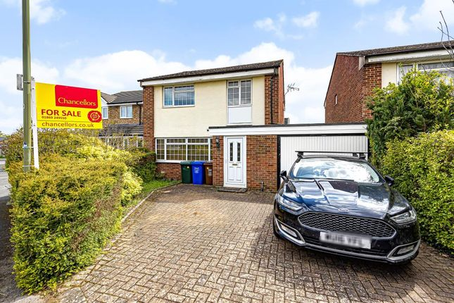 3 bed link-detached house for sale in Bicester, Oxfordshire OX26