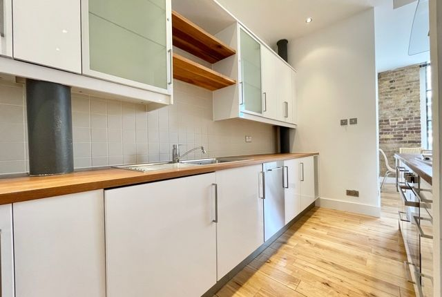 Thumbnail Flat to rent in Thrawl Street, Spitalfields