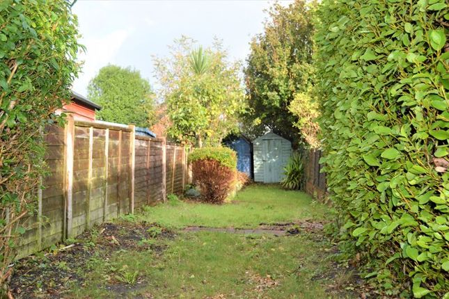 Thumbnail Cottage to rent in The Avenue, Gurnard, Cowes