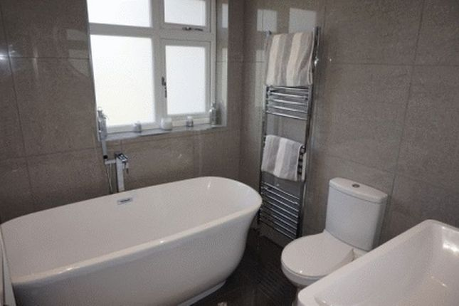 Stylish Bathroom of Little Heath Road, Bexleyheath DA7