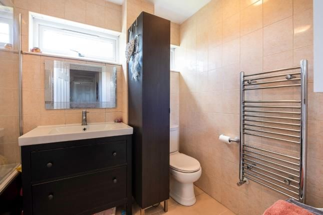Bathroom of Springfield Close, Woodsidepark, London, . N12
