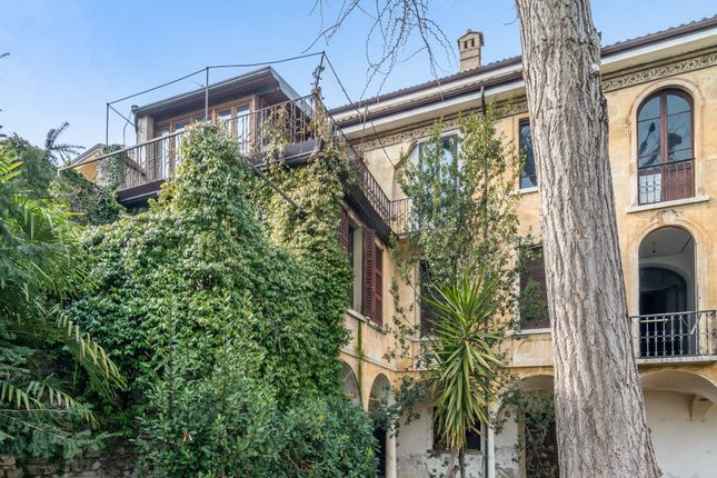 5 bed town house for sale in Via Cure Del Lino, 25087 Salò Bs, Italy