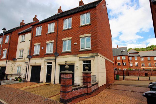 Thumbnail Town house to rent in Ladybank Avenue, Preston, Lancashire