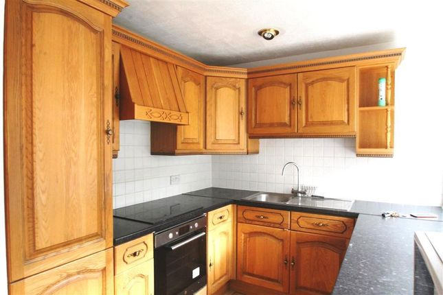Thumbnail Property to rent in Cam Mead, Aylesbury