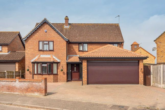 6 bed detached house for sale in Fletcher Way, Acle NR13