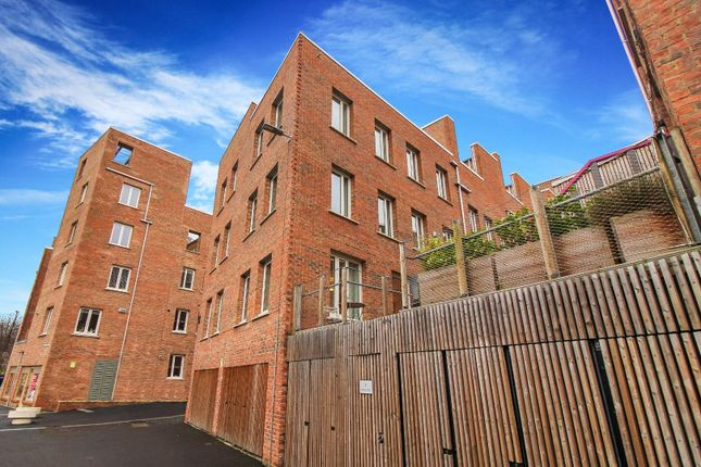 Thumbnail Terraced house for sale in Riverside Walk, Newcastle Upon Tyne