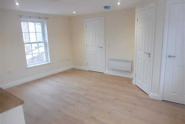 Thumbnail Flat to rent in New Road, Kidderminster