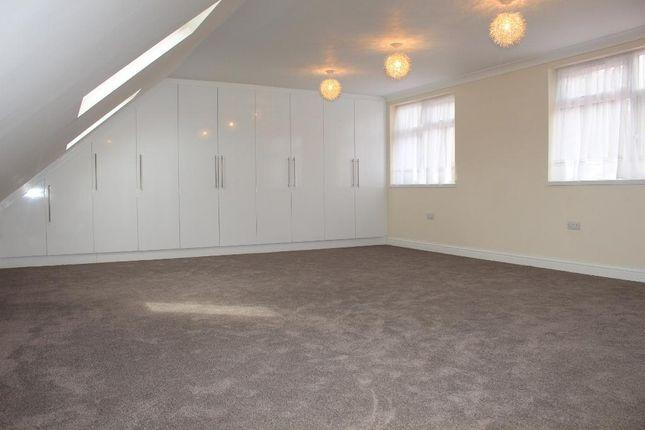 Master Bedroom of The Vale, Heston TW5