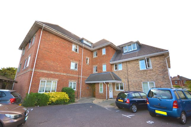 Thumbnail Flat to rent in Christchurch Road, Boscombe, Bournemouth