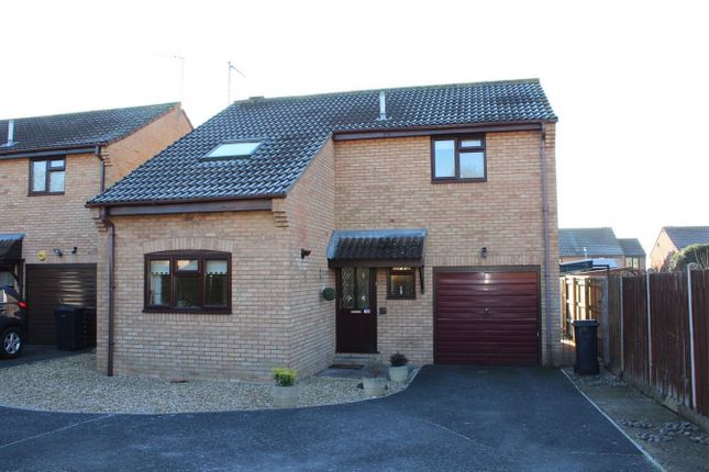 3 bed detached house for sale in Grafton Close, Taunton