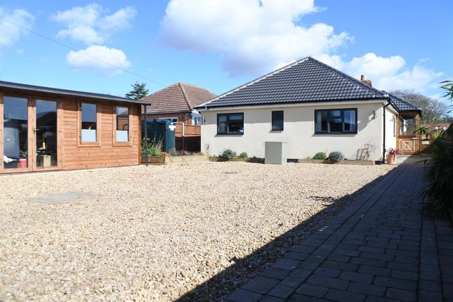 Thumbnail Bungalow for sale in Frieston Path, Caythorpe, Grantham