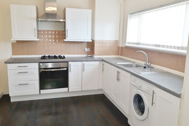 Thumbnail Flat to rent in Mosside Drive, Blackburn, West Lothian