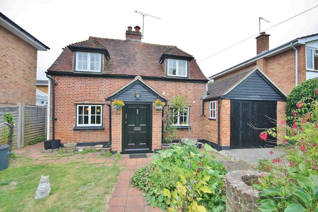 Thumbnail Detached house for sale in Vicarage Road, Woking