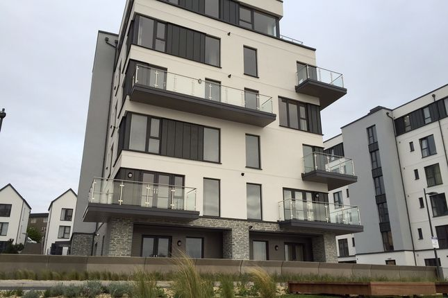 Thumbnail Flat to rent in Quadrant Quay, Plymouth