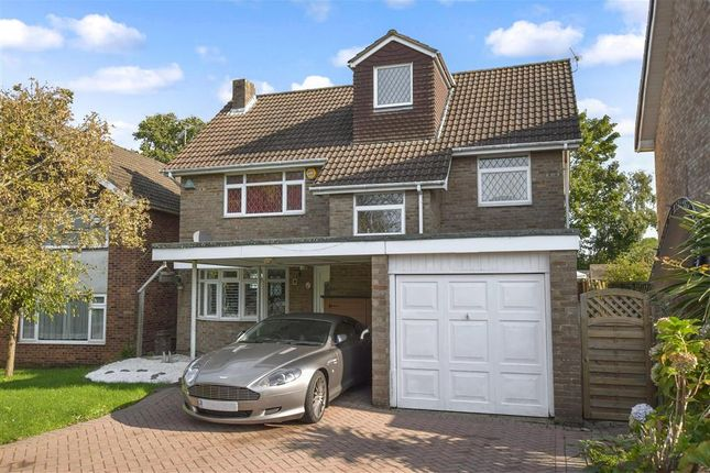 Thumbnail Detached house for sale in Westland Drive, Waterlooville, Hampshire