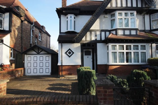 Thumbnail Semi-detached house to rent in Hart Grove, Ealing Common, London