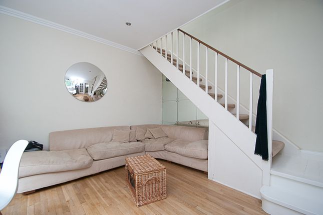 Thumbnail Mews house to rent in Warwick Square Mews, Pimlico, London